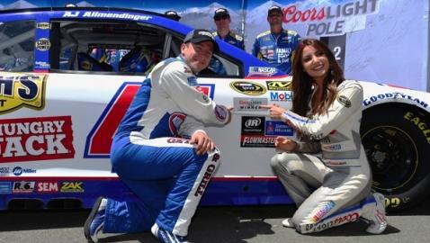 561400221TB00043_NASCAR_Spr