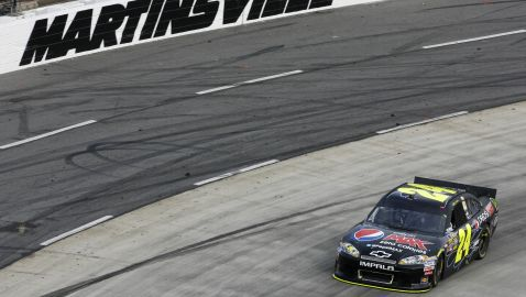 Still Alive In His Drive For Five, Gordon Goes For Ninth Win At Martinsville