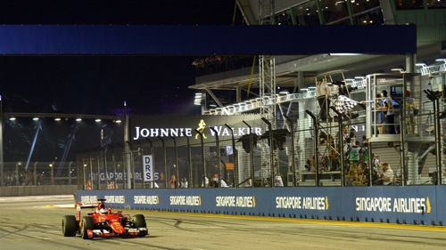 Sebastian Vettel drives to the win in Singapore (photo courtesy of Formula 1).