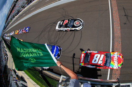 Kyle Busch (18) and Kevin Harvick (4) take the green flag at Indianapolis Motor Speedway for the Brickyard 400 on July 23, 2017 (photo courtesy of Getty Images for NASCAR).