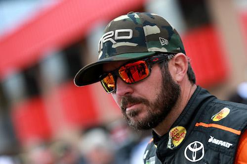 NASCAR: Martin Truex Jr. claims third pole of year at Richmond