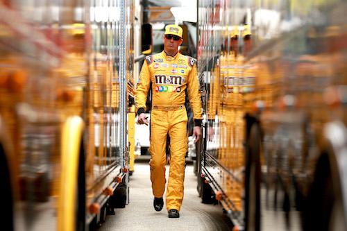 NASCAR Cup: Denny Hamlin gives Kyle Busch best pit stall at Homestead